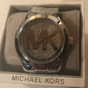 Accessories - Brand New Michael Kors 5544